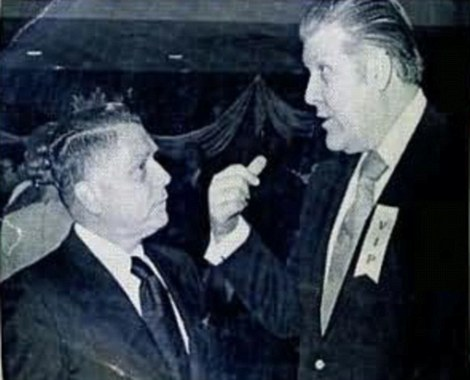 Frank Sheeran (right) speaking with Jimmy Hoffa